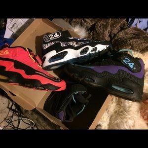 Ken Griffey jr shoes.  SiZe 10-10.5